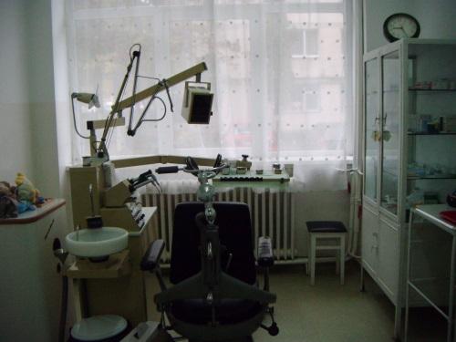 scoala gimnaziala iuliu maniu - cabinet stomatologic